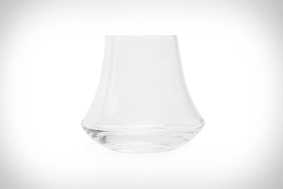 denver-liely-whiskey-glass-1-thumb-960xauto-107018